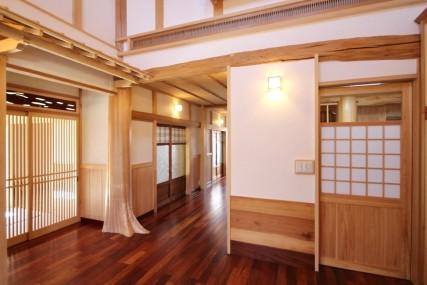 愛知県産無垢材だけを使用した、伝統木造住宅